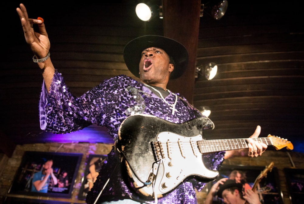 6 Oktober - Carvin Jones Band (USA)